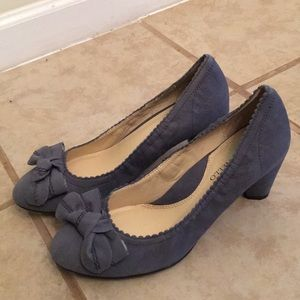 Anthropologie gray bow suede heels by Tiganello 8